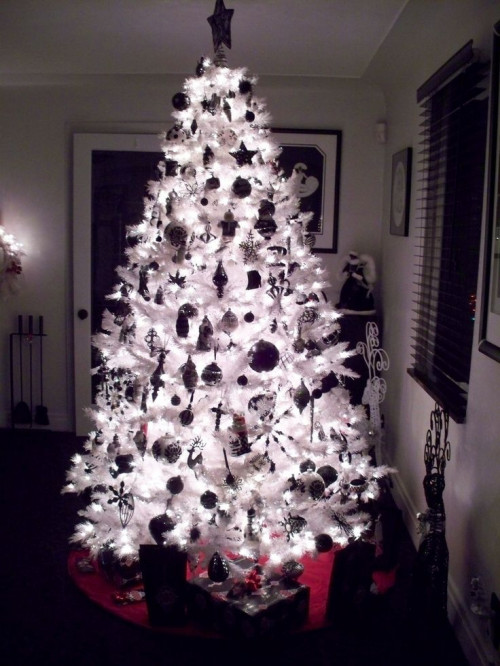 goth-christmas3a8e9a78b2518f5a.jpg